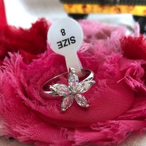 Stunning Silver Star Ring Size 8